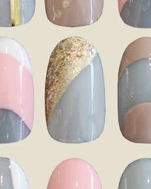 Gold glitter nail art look