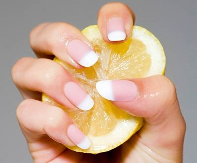 cure yellow nails with lemon juice soak