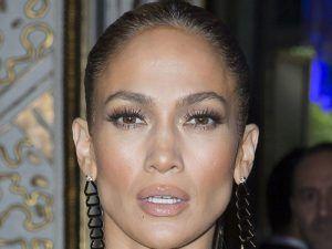 Jennifer Lopez lashes